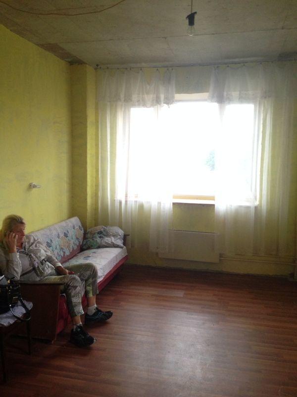 для китайских сниму 1 комнатную в общежитии когда-то